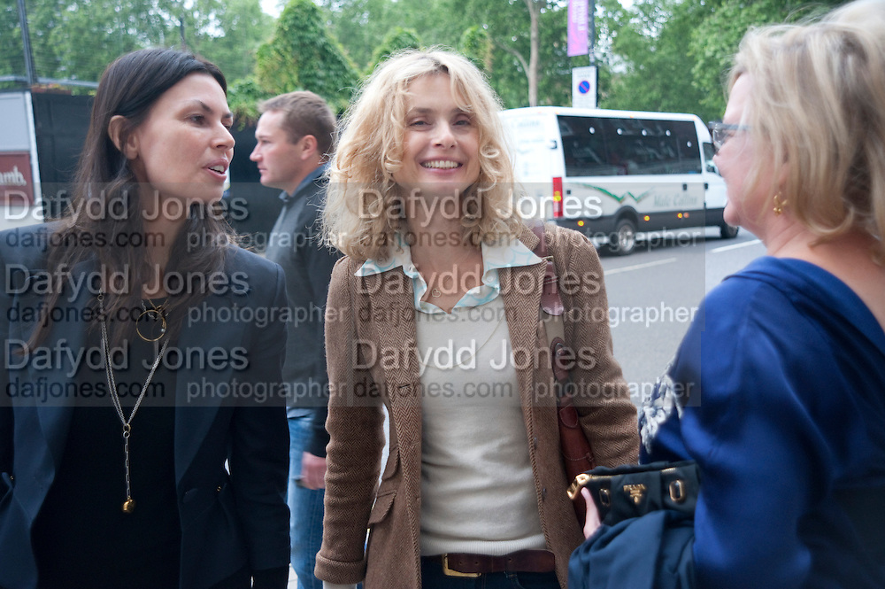 KLAARJE OUIRJNS; MARYAM D'ABO; KAY SAATCH, The Pimlico Road Summer party. London SW1. 9 June 2009