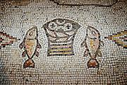 Brot und Fische Mosaik 5. Jh., Brotvermehrungskirche Tabgha, See Genezareth, Galiläa, Israel.|.bred and fish mosaic, Bred And Fish Church, Sea of Galilee, Galilee,  Israel.