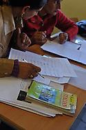 """Lavinio (Roma) 05/02/2011: Scuola Elementare """"Collodi"""", lezione d'Italiano per stranieri - Elementary School """"Collodi"""", Italian lessons for foreigners"""