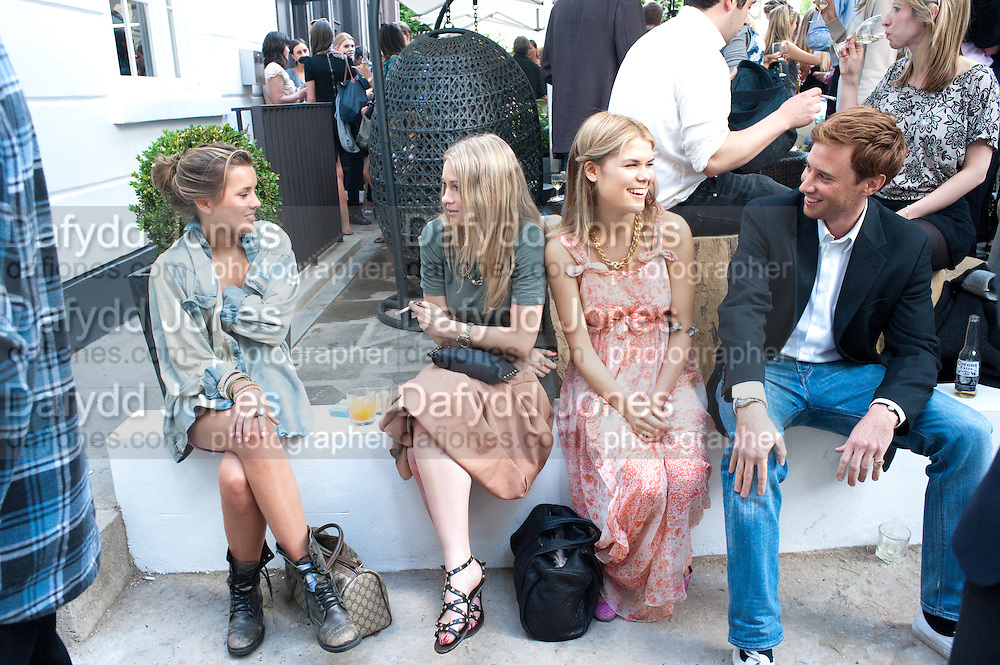 CAGGIE DUNLOP; FLORINDA CAREY; MADDY SHAW; TOM GREENLEES; The soft opening of the Phene Arms, 9 Phene street, SW3 5N1. 21 June 2010. <br /> -DO NOT ARCHIVE-© Copyright Photograph by Dafydd Jones. 248 Clapham Rd. London SW9 0PZ. Tel 0207 820 0771. www.dafjones.com.