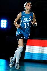 21-08-2009 VOLLEYBAL: WGP FINALS JAPAN - NEDERLAND: TOKYO<br /> Japan wint met 3-0 van Nederland / Caroline Wensink<br /> ©2009-WWW.FOTOHOOGENDOORN.NL