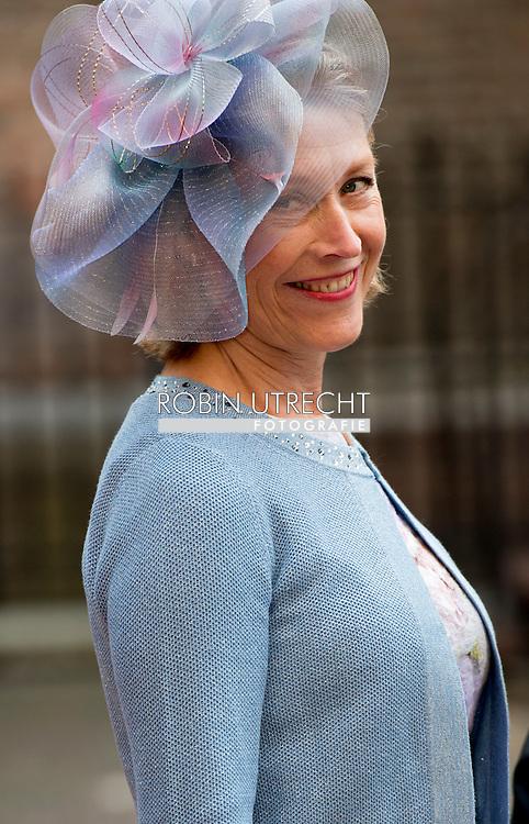 DEN HAAG - Minister Ronald Plasterk van Binnenlandse Zaken arriveert samen met zijn echtgenote bij de Ridderzaal op Prinsjesdag. ROBIN UTRECHT