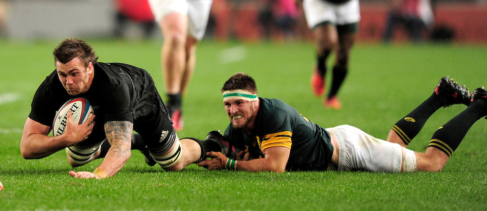 Jaco Kriel of South Africa manages to get hold of Liam Squire of New Zealand , Springboks v New Zealand All Blacks, Rugby Championship, Growthpoint Kings Park, Durban, South Africa. 8 October 2016. <br /> Copyright Image: Gerhard Duraan/ www.photosport.nz