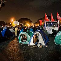Protesta contro il piano casa del governo Renzi