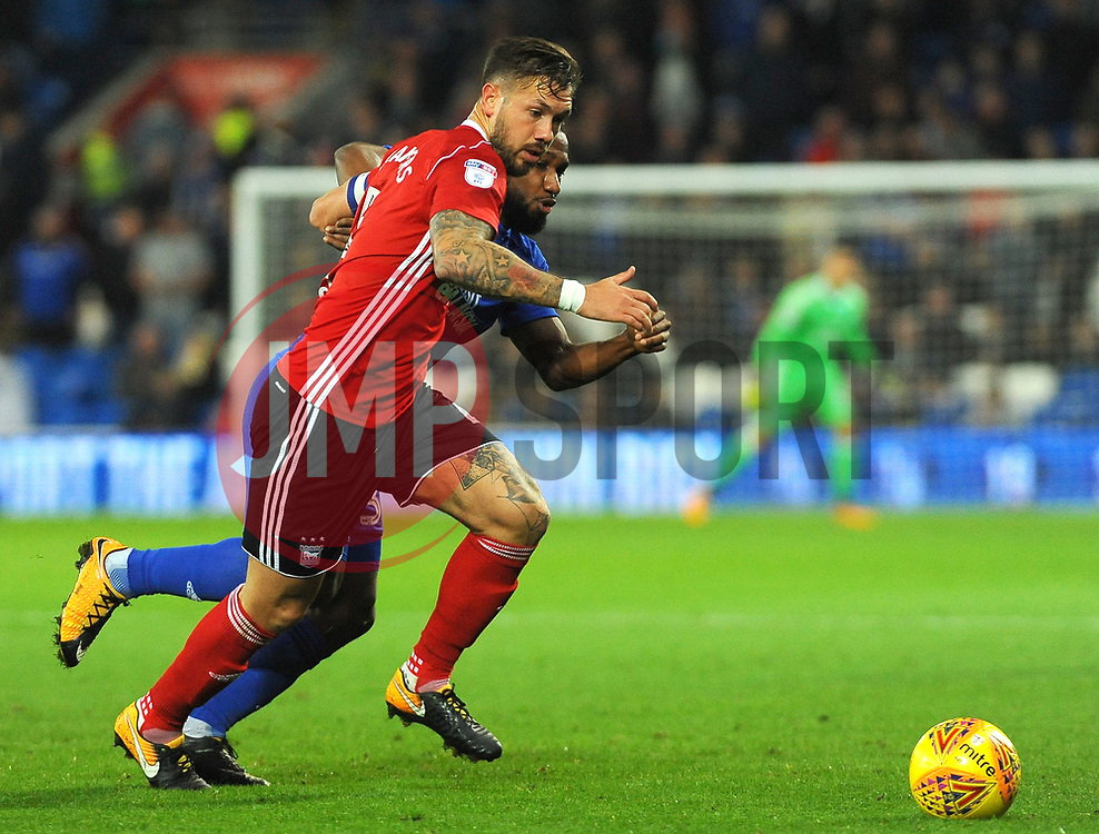 Junior Hoilett of Cardiff City competes with Luke Chambers of Ipswich Town - Mandatory by-line: Nizaam Jones/JMP - 31/10/2017 -  FOOTBALL - Cardiff City Stadium- Cardiff, Wales -  Cardiff City v Ipswich  Town- Sky Bet Championship
