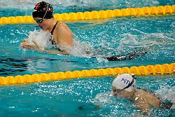 07-12-2008 ZWEMMEN: SWIMCUP: EINDHOVEN<br /> Elise Matthyssen en Lia Dekker op de 100 m schoolslag<br /> ©2008-WWW.FOTOHOOGENDOORN.NL