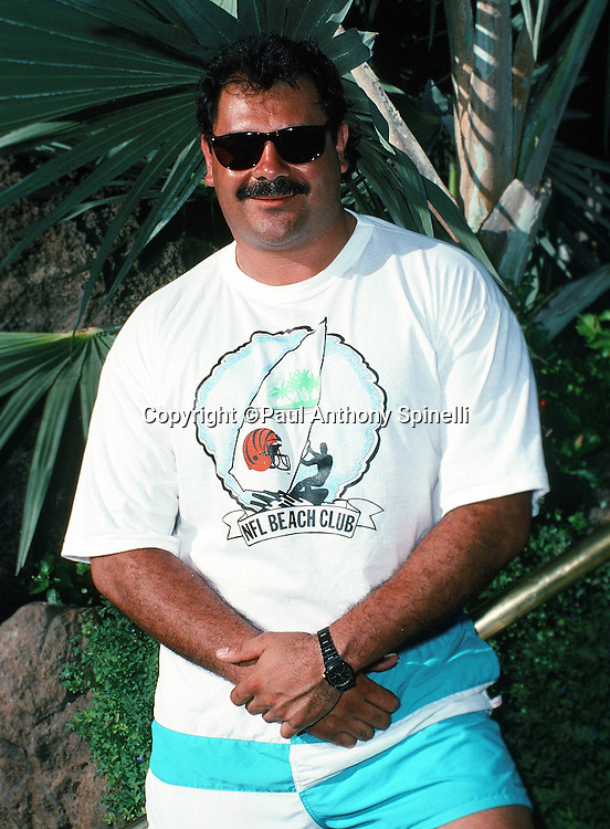 Cincinnati Bengals offensive lineman Max Montoya poses for a photo on the beach during the week of the 1990 NFL Pro Bowl between the National Football Conference and the American Football Conference on Jan. 30, 1990 in Honolulu. The NFC won the game 27-21. (©Paul Anthony Spinelli)