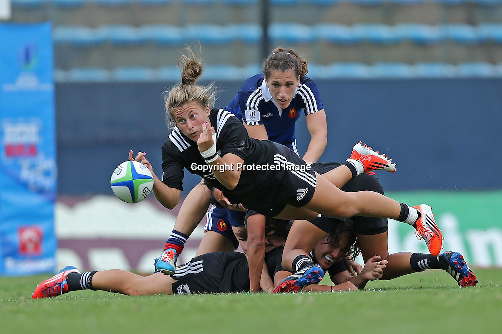 New Zealand take on France for the Cup Semi Finals at Brazil 7s in Sao Paulo. Credits:João Neto/Fotojump.