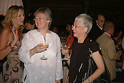 LOUISE DEAN winner of the LE PRINCE MAURICE PRIZE 2006, TRISH BESWICK AND JACQUELINE WILSON.  PRINCE MAURICE HOTEL. MAURITIUS. 27 May 2006. ONE TIME USE ONLY - DO NOT ARCHIVE  © Copyright Photograph by Dafydd Jones 66 Stockwell Park Rd. London SW9 0DA Tel 020 7733 0108 www.dafjones.com