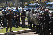 Roma 18 Marzo 2009.Le forze dell'ordine caricano il corteo degli studenti dell' Onda  all'ingresso dell'Università La Sapienza  in Piazza Aldo Moro..The police loads the procession of the students of the Onda  to the entry of the university La Sapienza