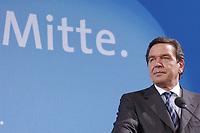 """13 MAY 2002, BERLIN/GERMANY:<br /> Gerhard Schroeder, SPD, Bundeskanzler, vor dem Schriftzug """"Die Politik der Mitte"""" waehrend der Pressekonferenz zur vorangegangenen SPD Parteikonferenz, Willi-Brandt-Haus<br /> IMAGE: 20020513-03-021<br /> KEYWORDS: Gerhard Schröder"""