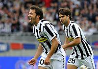 Fotball<br /> Italia<br /> Foto: Insidefoto/Digitalsport<br /> NORWAY ONLY<br /> <br /> Alessandro Del Piero esulta per il suo gol dell'1-0<br /> <br /> 09.05.2010<br /> Juventus vParma 2-3<br /> Campionato di Serie A Tim 2009-10