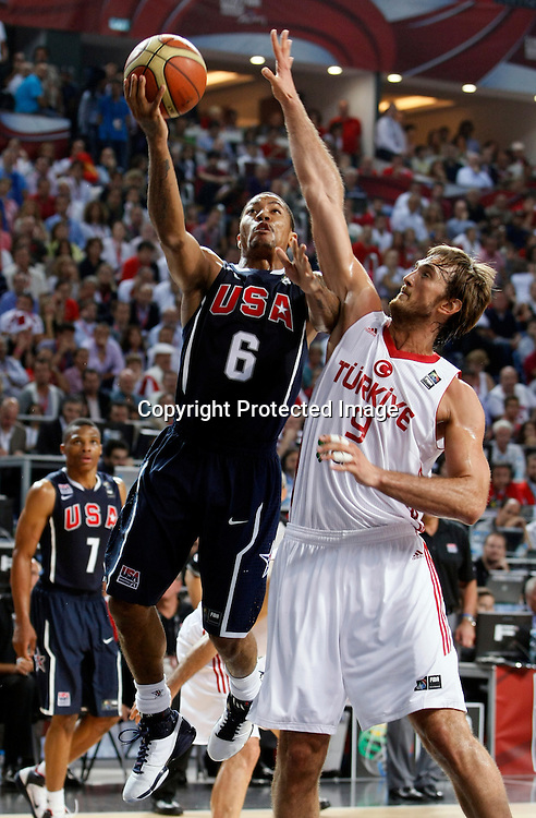 Turkey vs USA, Day 16 of the<br /> 2010 FIBA World Championship<br /> in Istanbul, Turkey, 12 September<br /> 2010, First place / Gold medal game<br /> photo: Marko Metlas