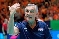 11–01-2020 NED: Semi Final Olympic qualification tournament women Germany - Netherlands, Apeldoorn<br /> First semi final match Germany - Netherlands 3-0 / Coach Giovanni Caprara of Netherlands
