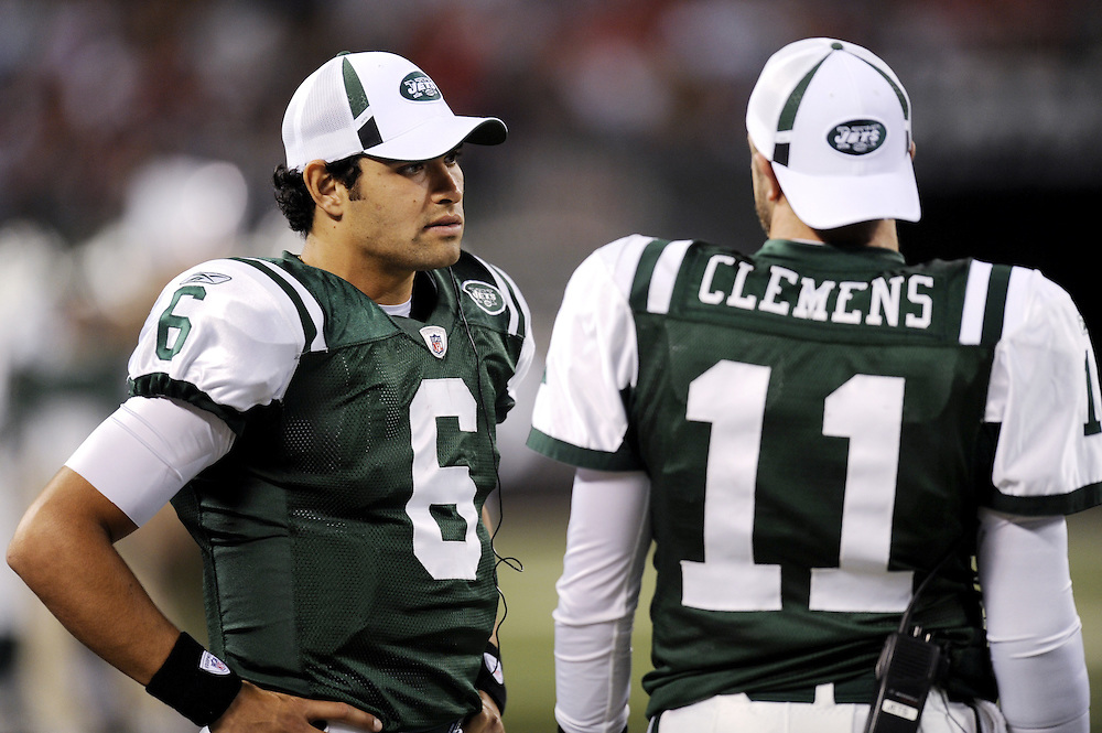 EAST RUTHERFORD, NJ - SEPTEMBER 3: Mark Sanchez #6 and Kellen Clemens #11 of the New York Jets on the sidelines during the game against the Philadelphia Eagles on September 3, 2009 at Giants Stadium in East Rutherford, New Jersey. The Jets won 38-27. (Photo by Rob Tringali) *** Local Caption *** Mark Sanchez;Kellen Clemens
