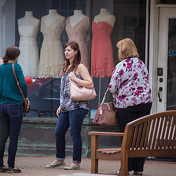 Saturday shoppers on High Street in Worthignton April 26, 2014. (Christina Paolucci, photographer).
