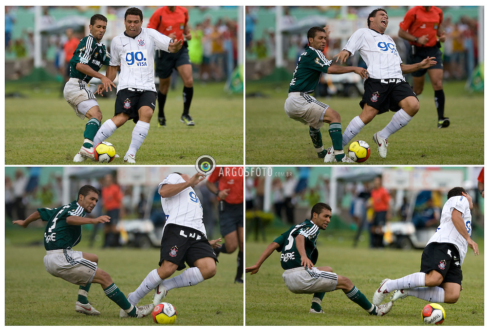 08/03/2009 - PRES. PRUDENTE/SP - ESPORTES - PALMEIRAS/SP X CORINTHIANS/SP - Pierre faz falta em Ronaldo nao marcada pelo juiz   em um lance  durante o jogo realizado esta tarde no Estadio Eduardo Jose Farh, em Presidente Prudente-SP, pelo Campeonato Paulista de 2009;.Foto: © Daniel Augusto Jr./ARGOSFOTO // Pierre fouls Ronaldo not marked by the court in a bid during the match played this afternoon at the Estadio Jose Eduardo Farhi, Presidente Prudente, SP.