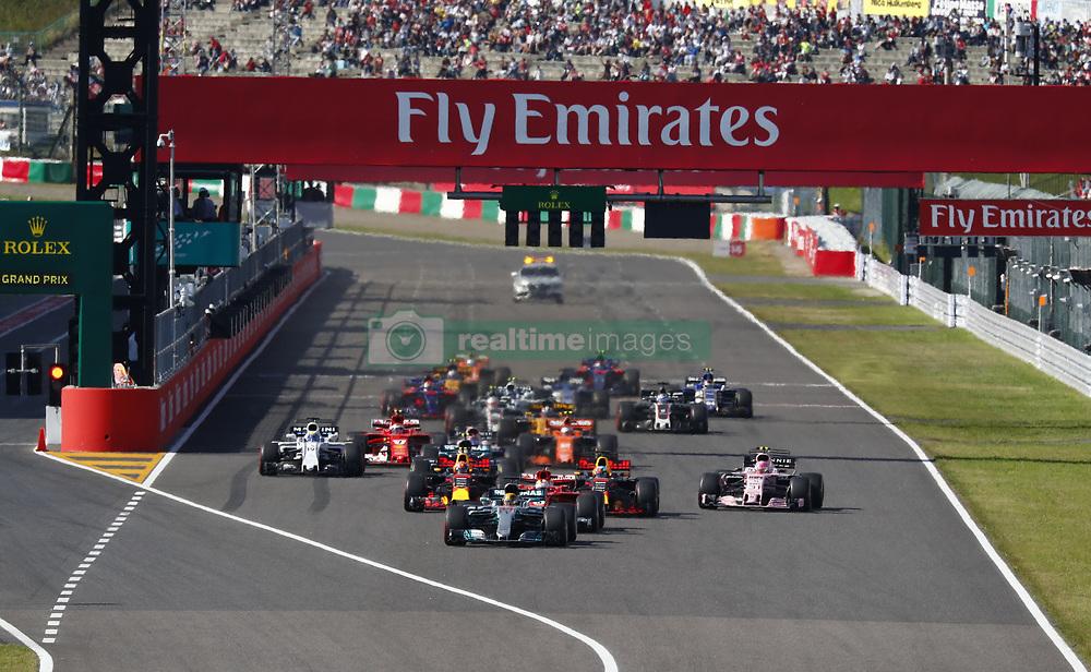 October 8, 2017 - Suzuka, Japan - Motorsports: FIA Formula One World Championship 2017, Grand Prix of Japan, .Start #44 Lewis Hamilton (GBR, Mercedes AMG Petronas Formula One Team) (Credit Image: © Hoch Zwei via ZUMA Wire)