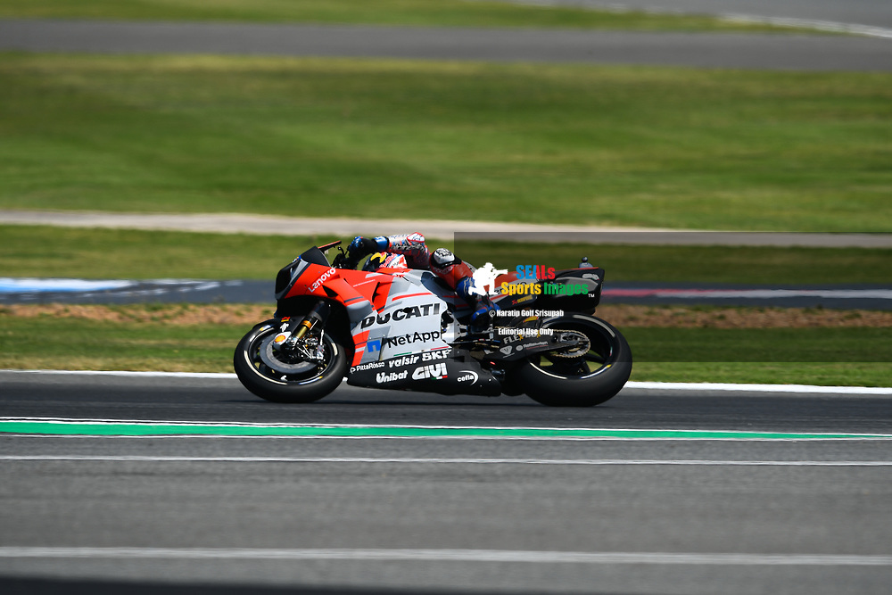 BURIRAM, THAILAND - OCTOBER 06: Andrea Dovizioso (04) of Italy and Ducati Team in Turn 12 during FP3 at the MotoGP PTT Thailand Grand Prix 2018, Chang International Circuit, Buriram, Thailand on October 06, 2018. <br /> .<br /> .<br /> .<br /> (Photo by: Naratip Golf Srisupab/SEALs Sports Images)<br /> .<br /> Any image use must include a mandatory credit line adjacent to the content which should read: Naratip Golf Srisupab/SEALs Sports Images