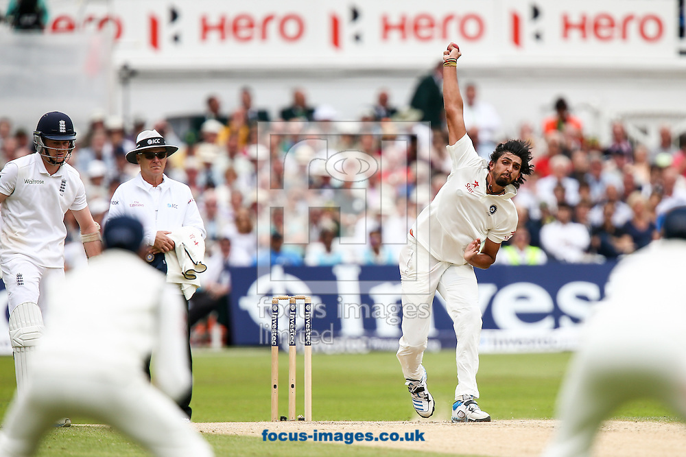 Ishant Sharma of India (right) in delivery stride during the Investec Test Match match at Trent Bridge, West Bridgford<br /> Picture by Andy Kearns/Focus Images Ltd 0781 864 4264<br /> 11/07/2014
