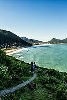 Trilha para a Praia do Saquinho. Florianópolis, Santa Catarina, Brasil. / Trail to Saquinho Beach. Florianopolis, Santa Catarina, Brazil.
