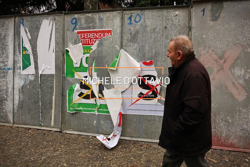 Referendum costituzionale del 4 dicembre 2016, Manifesti del SI strappati