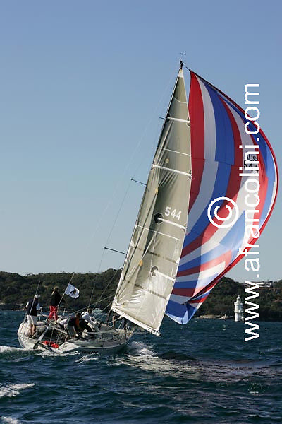 SAILING - BMW Winter Series 2004/ Sydney  (AUS) - OUT OF SIGHT - 4/07/04 - Photo: Andrea Francolini