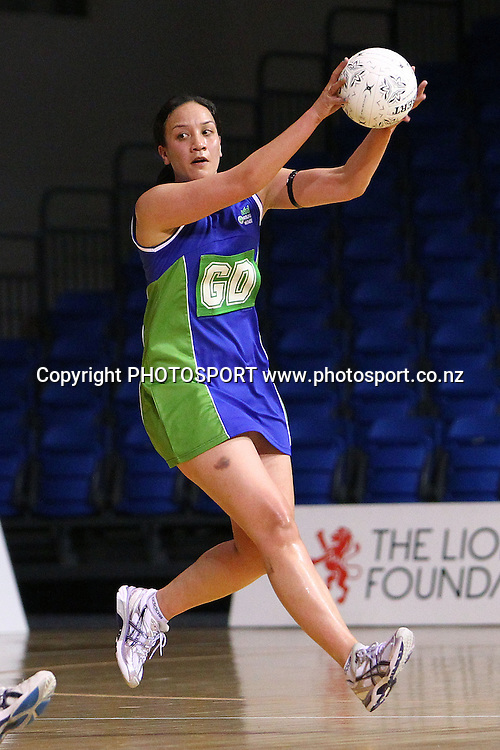 Auckland Waitakere's Rachel Rasmussen in action. Lion Foundation Netball Championship. First Grade Division 1 match. Auckland Waitakere v Otago. Trusts Stadium, Auckland, New Zealand. Thursday 30th September 2010. Photo: Anthony Au-Yeung / photosport.co.nz