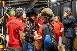 Deutsches Team<br /> Tryon - FEI World Equestrian Games™ 2018<br /> Die Voltigierer gratulieren den Reinern<br /> Reining Teamwertung und 1.Einzelqualifikation<br /> 12. September 2018<br /> © www.sportfotos-lafrentz.de/Stefan Lafrentz
