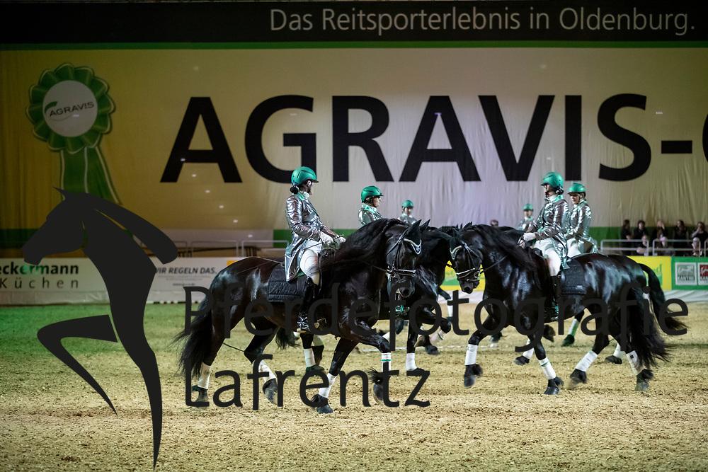 Friesenquadrille<br /> Oldenburg - AGRAVIS-Cup 2018<br /> Gala-Abend<br /> 03. November 2018<br /> © www.sportfotos-lafrentz.de/Stefan Lafrentz