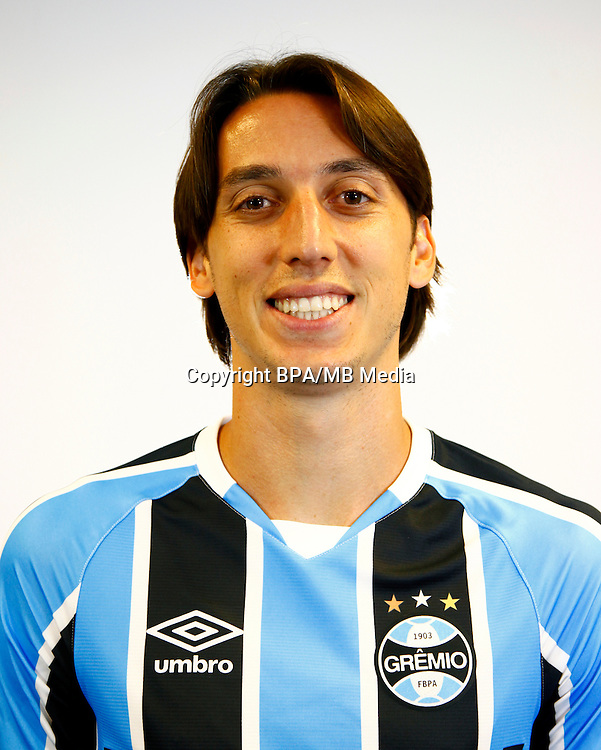 Brazilian Football League Serie A / <br /> ( Gremio Foot-Ball Porto Alegrense ) - <br /> Pedro Tonon Geromel &quot; Pedro Geromel &quot;