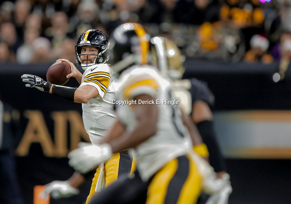 Dec 23, 2018; New Orleans, LA, USA; Pittsburgh Steelers quarterback Ben Roethlisberger (7) throws against the New Orleans Saints during the first quarter at the Mercedes-Benz Superdome. Mandatory Credit: Derick E. Hingle-USA TODAY Sports