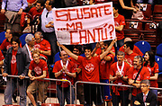 DESCRIZIONE : Milano Lega A 2011-12 EA7 Olimpia Milano Scavolini Siviglia Pesaro Semifinale Play off gara 1<br /> GIOCATORE : Supporters - Tifosi<br /> CATEGORIA : Supporters - Tifosi<br /> SQUADRA : EA7 Olimpia Milano <br /> EVENTO : Campionato Lega A 2011-2012 Semifinale Play off gara 1 <br /> GARA : EA7 Olimpia Milano Scavolini Siviglia Pesaro Semifinale Play off gara 1<br /> DATA : 29/05/2012<br /> SPORT : Pallacanestro <br /> AUTORE : Agenzia Ciamillo-Castoria/A.Giberti<br /> Galleria : Lega Basket A 2011-2012  <br /> Fotonotizia : Milano Lega A 2011-12 EA7 Olimpia Milano Scavolini Siviglia Pesaro Semifinale Play off gara 1<br /> Predefinita :