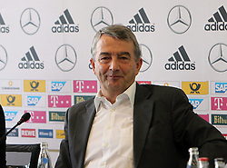 18.10.2013, DFB Zentrale, Frankfurt, GER, DFB Pressekonferenz, im Bild DFB Pr&auml;sident Wolfgang Niersbach // during the DFB press conference to extend the contract of national coach Joachim Loew in the DFB headquarters in Frankfurt on 2013/10/18. EXPA Pictures &copy; 2013, PhotoCredit: EXPA/ Eibner-Pressefoto/ RRZ<br /> <br /> *****ATTENTION - OUT of GER*****