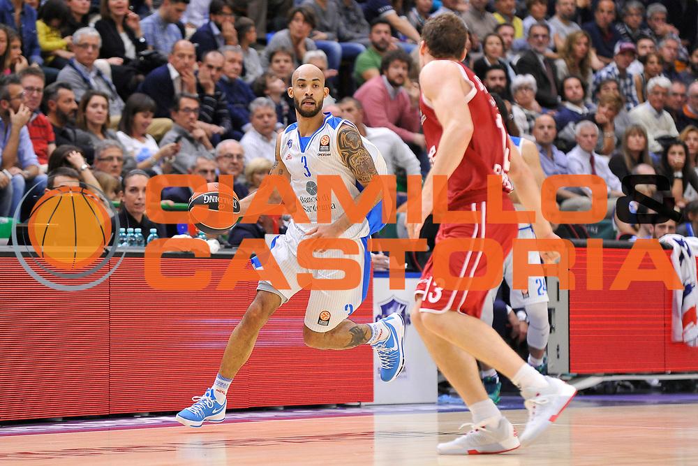 DESCRIZIONE : Eurolega Euroleague 2015/16 Group D Dinamo Banco di Sardegna Sassari - Brose Basket Bamberg<br /> GIOCATORE : David Logan<br /> CATEGORIA : Palleggio<br /> SQUADRA : Dinamo Banco di Sardegna Sassari<br /> EVENTO : Eurolega Euroleague 2015/2016<br /> GARA : Dinamo Banco di Sardegna Sassari - Brose Basket Bamberg<br /> DATA : 13/11/2015<br /> SPORT : Pallacanestro <br /> AUTORE : Agenzia Ciamillo-Castoria/C.Atzori