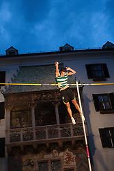 30.05.2015, Altstadt, Innsbruck, AUT, Golden Roof Challenge, Stabhochsprung Maenner, im Bild Edi Maia (POR, 1.Platz) // 1st placed Edi Maia of Portugal in action during Men´s Pole Vault at Golden Roof Challenge in Innsbruck, Austria on 2015/05/30. EXPA Pictures © 2015, PhotoCredit: EXPA/ Jakob Gruber