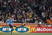 ©Jonathan Moscrop - LaPresse<br /> 02 07 2010 Johannesburg ( Sud Africa )<br /> Sport Calcio<br /> Uruguay vs Ghana - Mondiali di calcio Sud Africa 2010 Quarti di finale - Soccer City Johannesburg<br /> Nella foto: la rete del 1-1 di Diego Forlan<br /> <br /> ©Jonathan Moscrop - LaPresse<br /> 02 07 2010 Johannesburg ( South Africa )<br /> Sport Soccer<br /> Uruguay versus Ghana - FIFA 2010 World Cup South Africa Quarter final - Soccer City Stadium<br /> In the Photo: Uruguay's Diego Forlan fires home this free kick to level the scores at 1-1