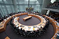 16 MAR 2009, BERLIN/GERMANY:<br /> Uebersicht Sitzungssaal, Sitzung des Finanzausschusses des Deutschen Bundestages, Oeffentlichen Anhoerung zum Entwurf eines Gesetzes zur weiteren Stabilisierung des Finanzmarktes, Anhoerungssaal, Marie-Elisabeth-Lueders-Haus, Deutscher Bundestag<br /> IMAGE: 20090316-01-043<br /> KEYWORDS: Finanzmarktstabilisierungsergaenzungsgesetz, Übersicht