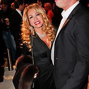NLD/Amsterdam/20101209 - VIP avond Miljonairfair 2010, Patricia Paay en partner Nicky van Dam
