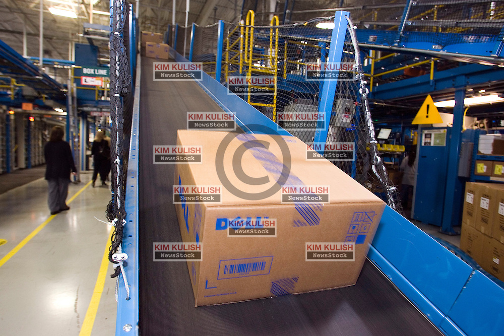 Boxed computers move through Dell Computer's Topfer Manufacturing Center in Round Rock, Texas.  Photo By Kim Kulish