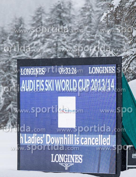 18.01.2014, Olympia delle Tofane, Cortina d Ampezzo, ITA, FIS Weltcup Ski Alpin, Abfahrt, Damen, im Bild Abfahrt der Damen wegen weicher Piste abgesagt // the ladies downhill was canceled due to weather conditions during the Cortina d Ampezzo FIS Ski Alpine World Cup at the Olympia delle Tofane course in Cortina d Ampezzo, Italy on 2014/01/18.