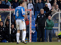 Photo: Glyn Thomas.<br />Birmingham City v Arsenal. The Barclays Premiership. 04/02/2006.<br />Birmingham's manager Steve Bruce (R) shouts instructions to his players.