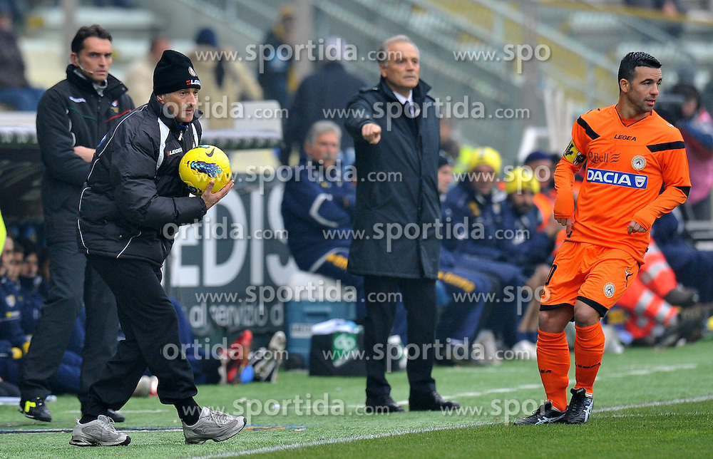 20.11.2011, Stadion Ennio Tardini, Parma, ITA, Serie A, FC Parma vs Udinese Calcio, 12. Spieltag, im Bild Francesco GUIDOLIN, Antonio DI NATALE (Udinese), Franco COLOMBA (Parma) // during the football match of Italian 'Serie A' league, 12th round, between FC Parma and Udinese Calcio at Stadium Ennio Tardini, Parma, Italy on 20/11/2011. EXPA Pictures © 2011, PhotoCredit: EXPA/ Insidefoto/ Alessandro Sabattini..***** ATTENTION - for AUT, SLO, CRO, SRB, SUI and SWE only *****