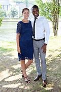 Bruiloft Rob Geus en Suzanne Ozek op Kasteel de Hoogenweerth in Maastricht<br /> <br /> Op de foto:  Jeremy Sno en partner