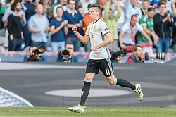 26.06.2016, Stade Pierre Mauroy, Lille, FRA, UEFA Euro 2016, Deutschland vs Slowakei, Achtelfinale, im Bild Torjubel Deutschland, Julian Draxler (GER) // Julian Draxler (GER) celebrate his Goal during round of 16 match between Germany and Slovakia of the UEFA EURO 2016 France at the Stade Pierre Mauroy in Lille, France on 2016/06/26. EXPA Pictures © 2016, PhotoCredit: EXPA/ JFK