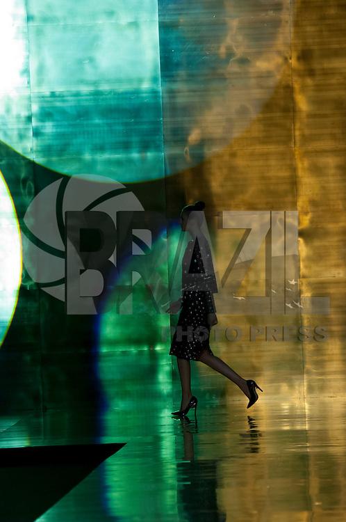 BELO HORIZONTE-MG-10.10.2013-MINAS TREND /AMMIS / ESDRA - Modelo durante desfile da grife Ammis e Acessorios Esdra durante o Minas Trend, principal evento de moda da capital mineira, no Expominas em Belo Horizonte, nesta quinta-feira,10-(Foto: Sergio Falci / Brazil Photo Press)