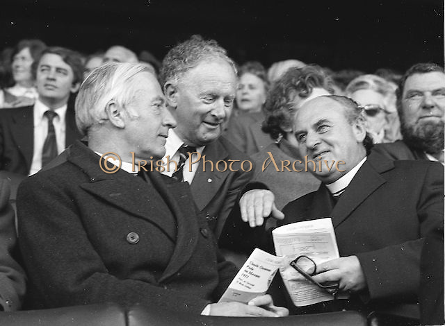 Spectators at All Ireland Football Final Dublin v Armagh at Croke Park, 25th September 1977.