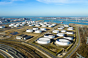 Nederland, Zuid-Holland, Rotterdam, 18-02-2015. Europoort, Team Terminal (voorgrond) en Shell Europort terminal, gezien naar de Nieuwe Waterweg. 4e Petroleumhaven.<br /> Team Terminal and Shell Europort terminal.<br /> luchtfoto (toeslag op standard tarieven);<br /> aerial photo (additional fee required);<br /> copyright foto/photo Siebe Swart