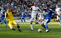 Photo: Steve Bond/Richard Lane Photography. Leicester City v Carlisle United. Coca Cola League One. 04/04/2009.  Matty Fryatt (R) gets in a shot as keeper Ben Williams closes down