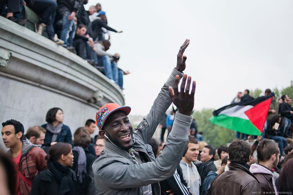 Célébration de la victoire de François Hollande à l'élection présidentielle le 6 mai, place de la Bastille à Paris / Celebrating the victory of Francois Hollande in the presidential election on May 6, place de la Bastille in Paris.